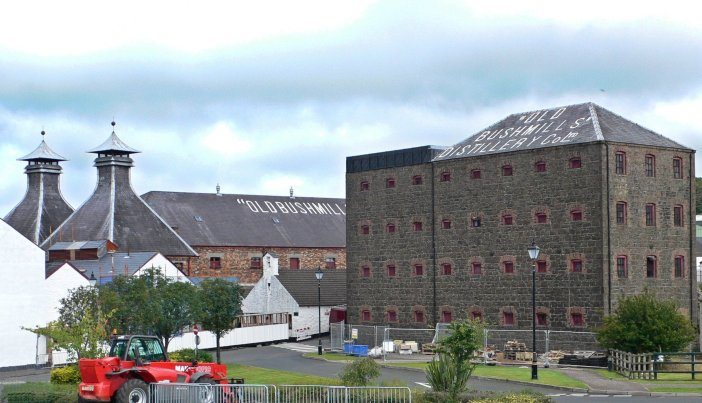 Old Bushmills Distillery, County Antrim (Credit: Wikipedia)