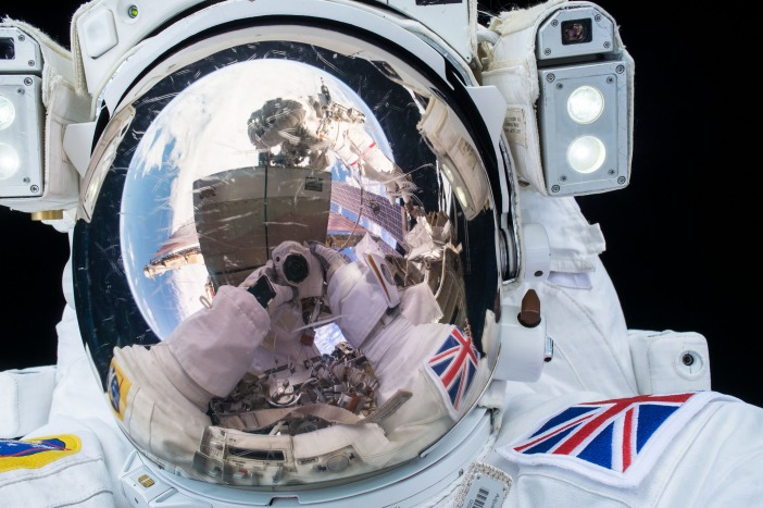 ESA (European Space Agency) astronaut Tim Peake seen during his first spacewalk / CC 2.0 NASA Johnson